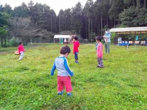 のびのび遊ぶ子供達